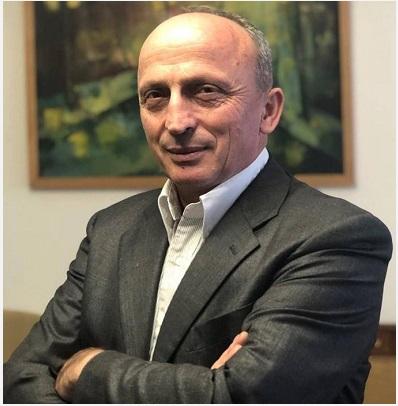 Florim Zeqa: Kandidatët e pasur e një populli të varfër!
